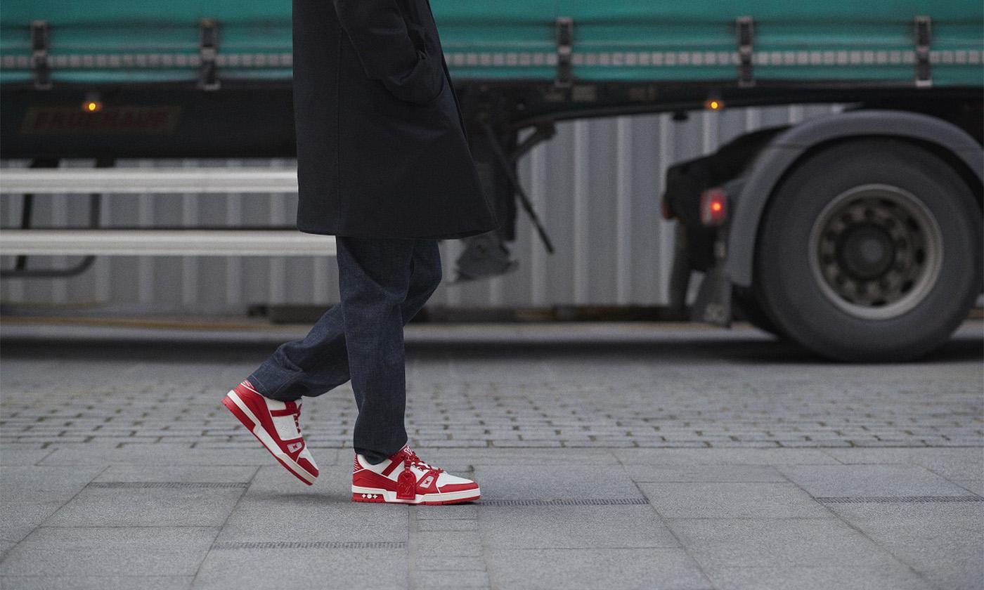 ルイ・ヴィトン エイズ撲滅運動をサポートする「Louis Vuitton I (RED) トレイナー」、3月下旬に日本発売へ!