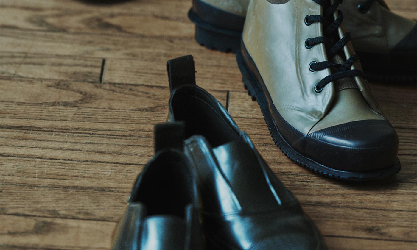 雨靴にもなるユニセックス・フットウェアがY's × SUPERGAのコラボで登場