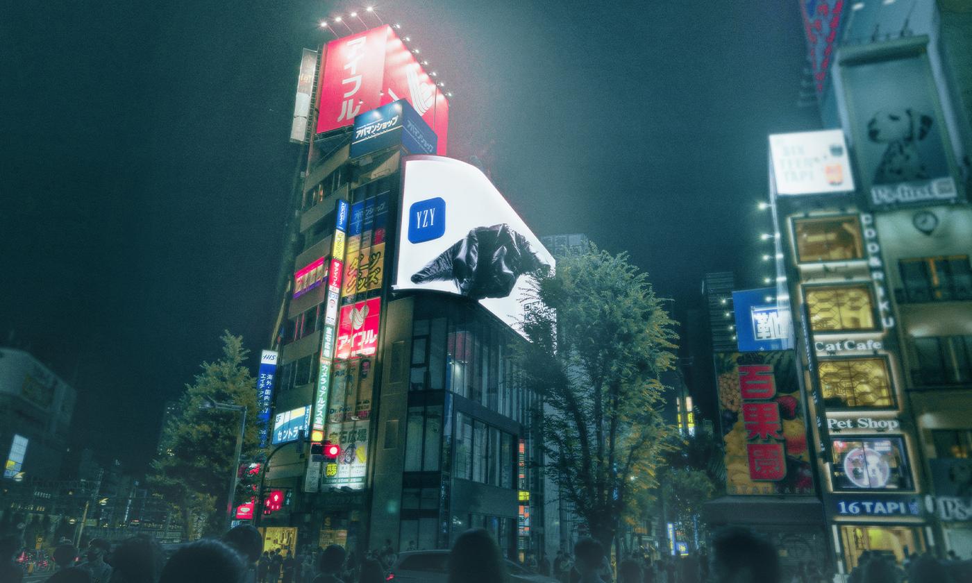 カニエ・ウエストとGapのYEEZY GAPブラックジャケットがクロス新宿ビジョンの巨大3D動画で出現!
